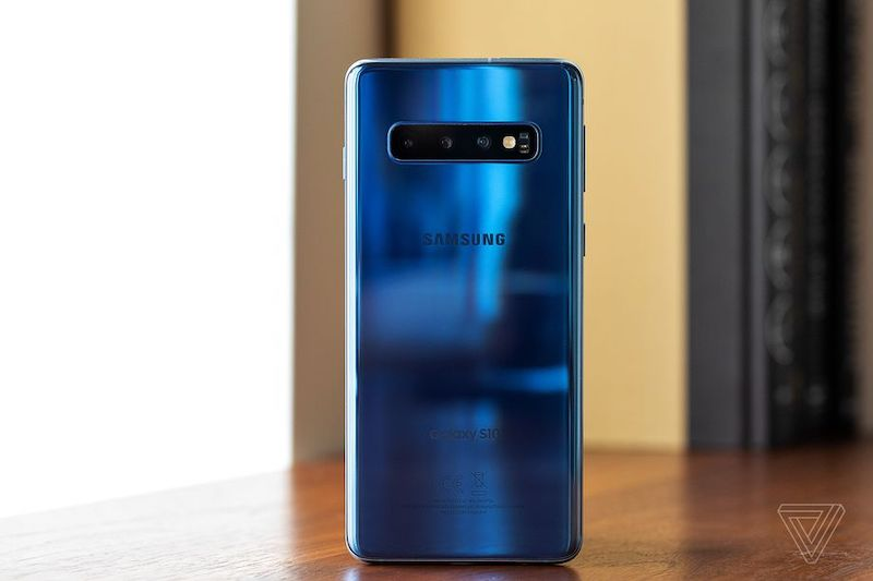Samsung Galaxy S10: Lighter and Solid Build